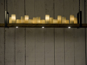 Hangende kaarsenlamp van eiken wagonplanken